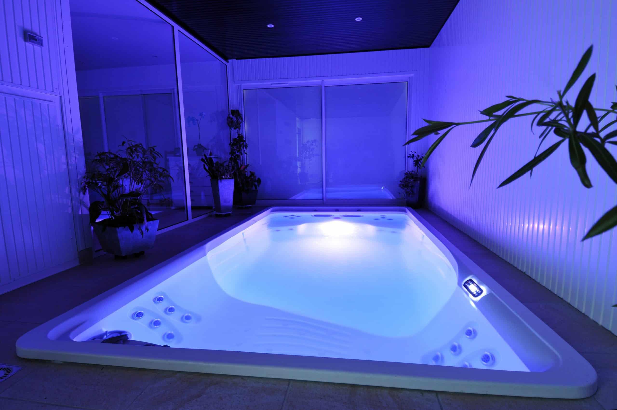 basen-swim-spa-woda-bieżnia-pływacka
