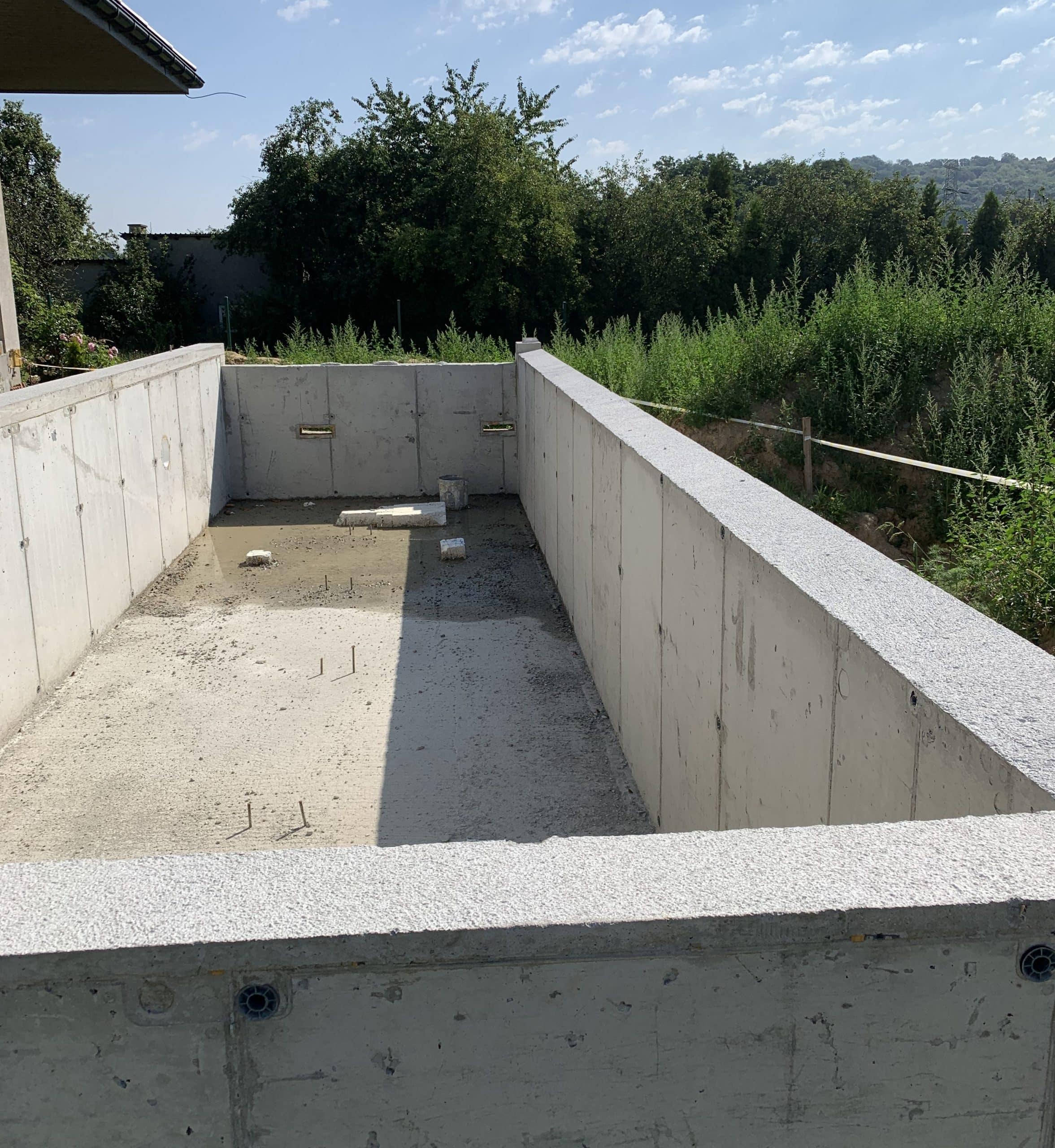 basen żelbetowy, infinity, ściana przelewowa, roleta, podwodna, pływająca, montaż, budowa basenu