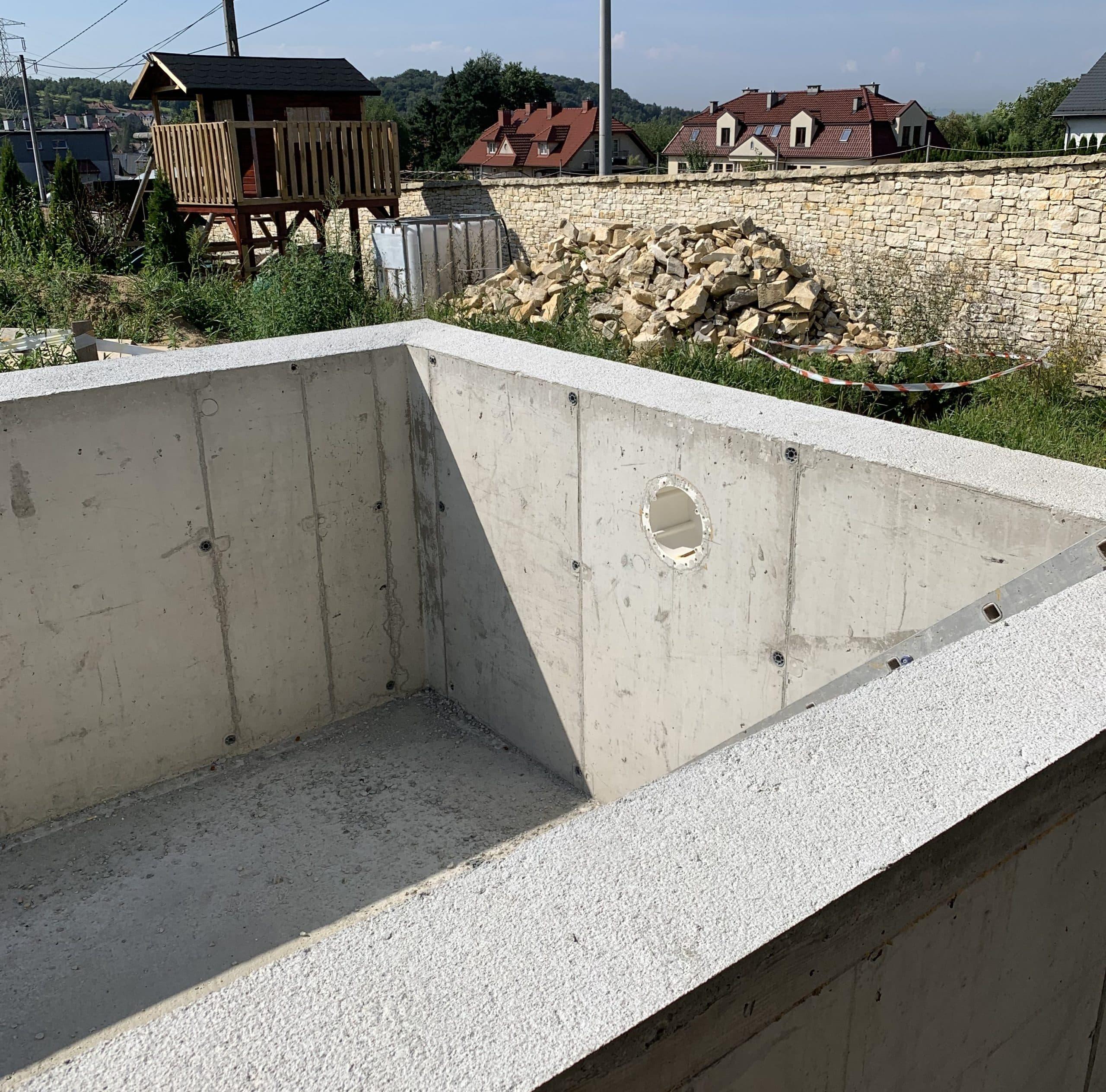 przeciwprąd, basen żelbetowy, infinity, ściana przelewowa, roleta, podwodna, pływająca, montaż, budowa basenu