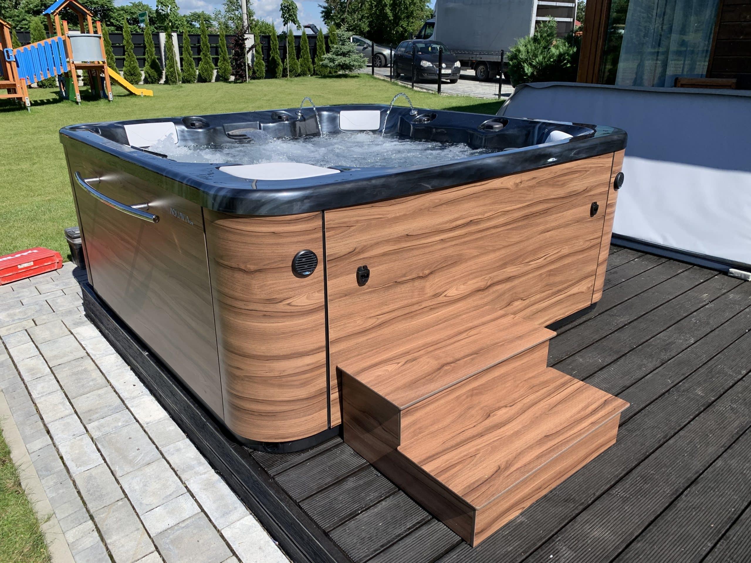 wanna spa ogrodowa jacuzzi aquavia spa basenispa basen minibasen pokrywa termiczna