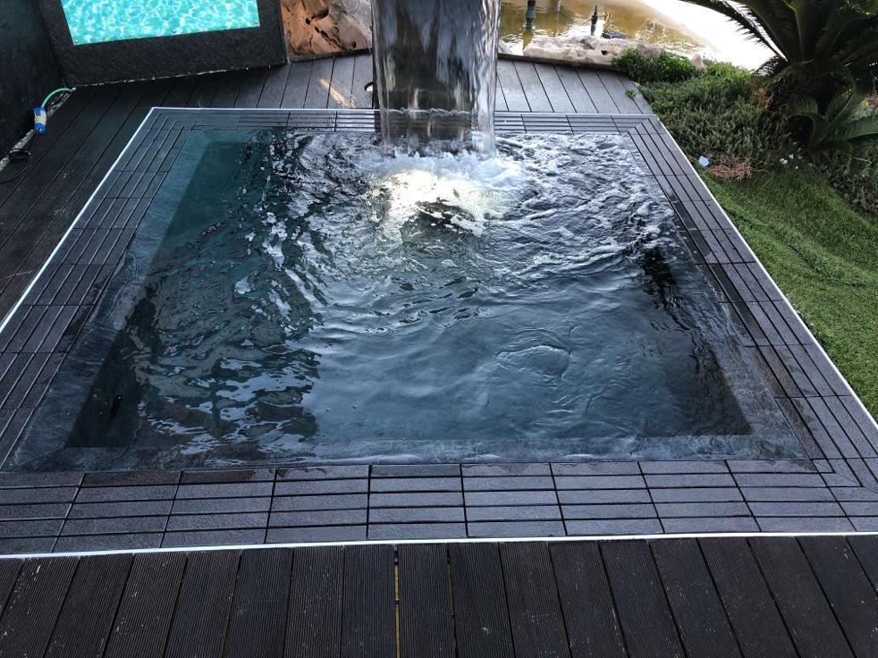 kratka przelewowa basenowa gresowa kamienna kolorowa basen infinity przelewowy płytka basenowa