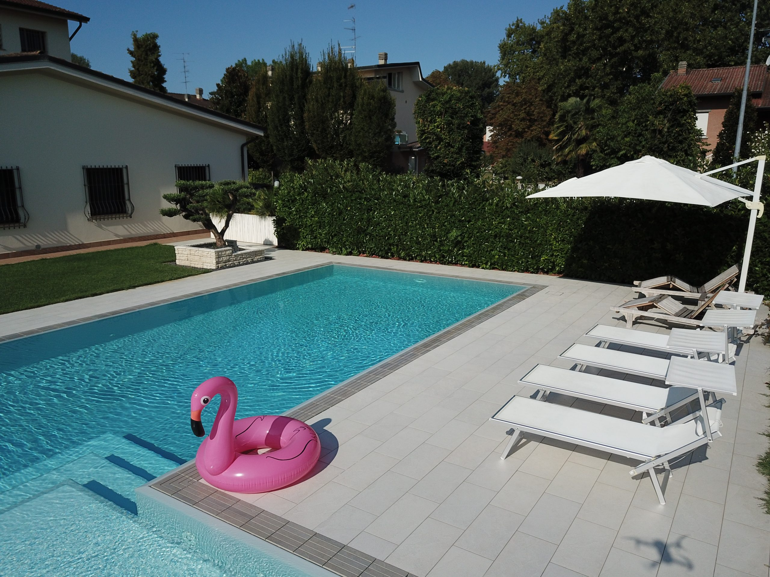 płytka basen ogród taras tarasowa basenowa