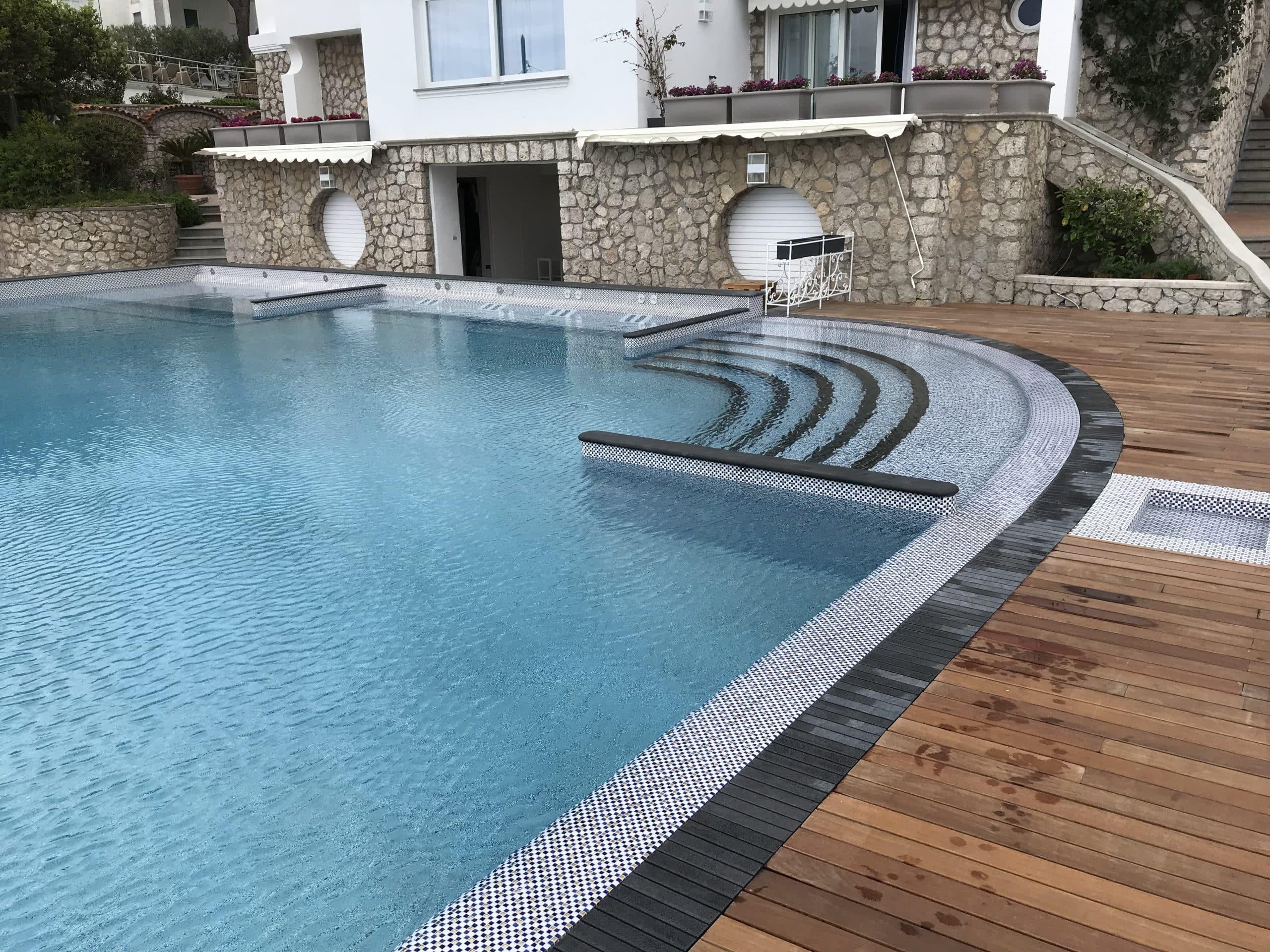 modulartem basen kratka kamienna przelewowa hotelowy prywatny